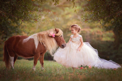 Child Portraits with Animals: Tips for a Magical Photoshoot