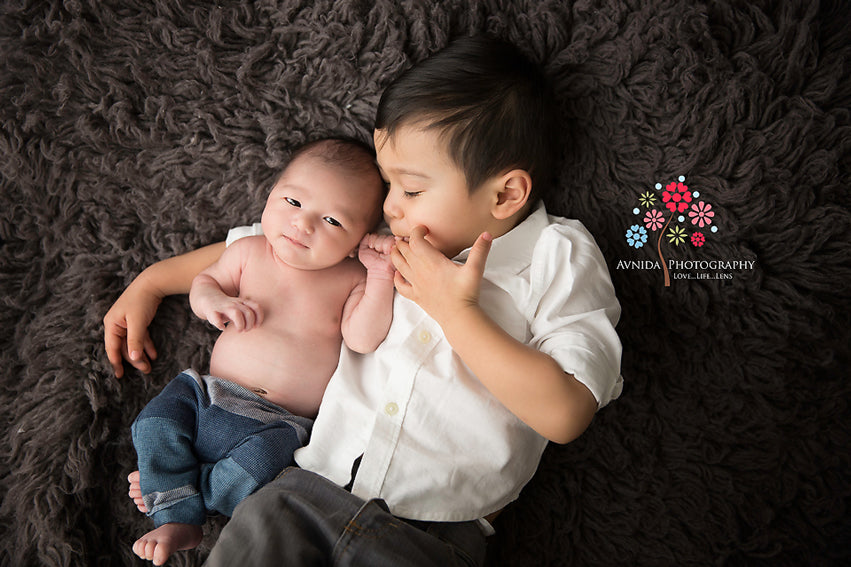 Newborn Pictures With Siblings