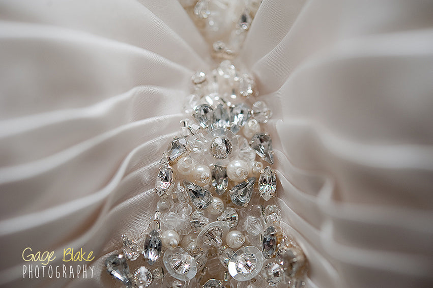 bridal dress detail - important wedding photos