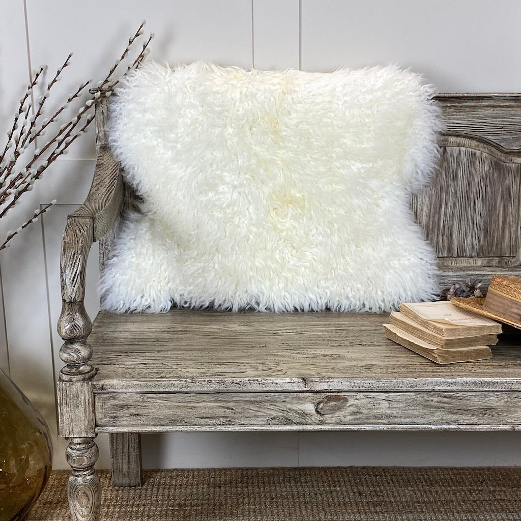 Hanlin Luxury Ivory Curly Sheepskin Rug