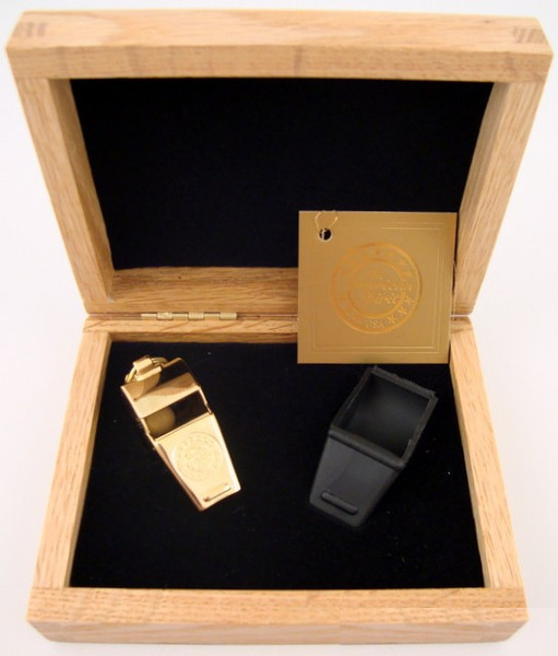 Gold Award Whistle-Gift Set-Schoppy's Since 1921