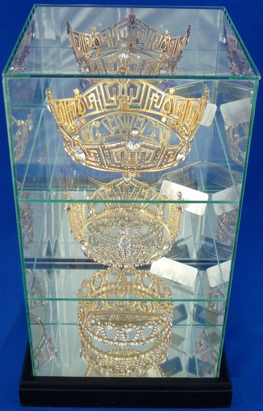 Three Tier Crown Display Case-Display Case-Schoppy's Since 1921