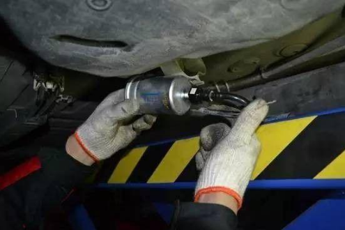 what is the replacement cycle of the fuel filter?