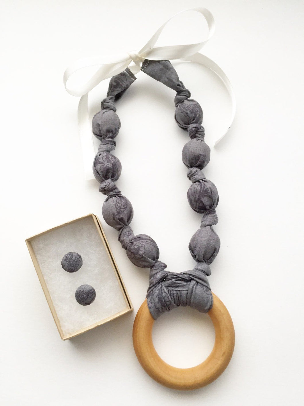Kohl Vines Fabric Teething Ring Nursing Necklace by Wee Kings