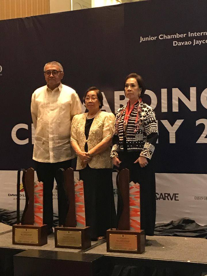 Matriarch and founder of Malagos Chocolate, Charita Puentepsina, receiving her Leaders and Achievers Award in Davao City.