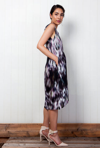 loose printed mid-length dress pistolette