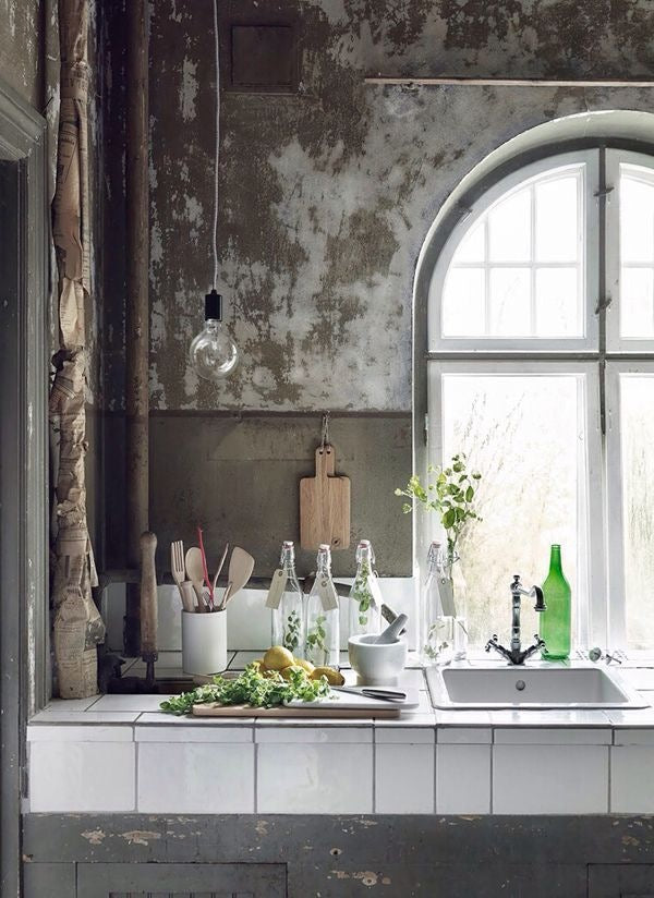 DISTRESSED KITCHEN