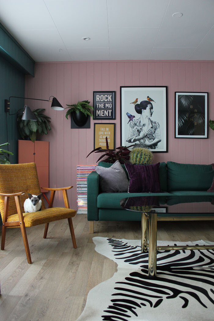 PINK & GREEN LIVING ROOM | DYKE & DEAN