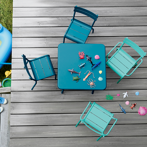 CHILDREN'S OUTDOOR STACKING CHAIR
