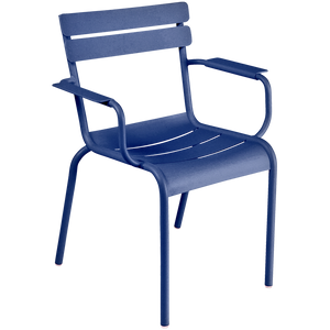 OUTDOOR STACKING ARMCHAIR