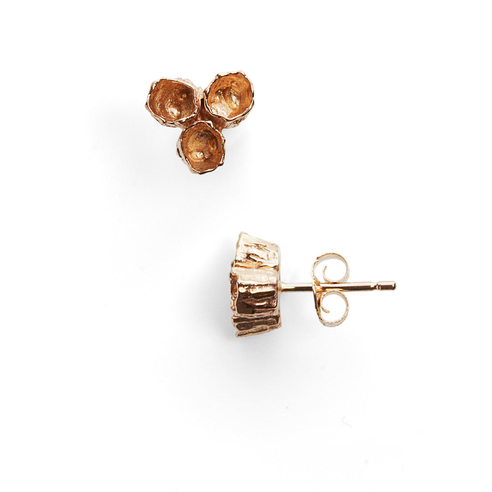 Gold cluster barnacle studs
