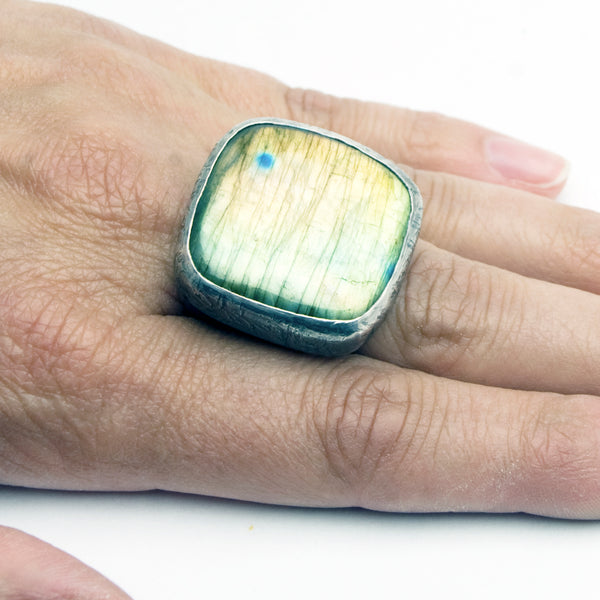 Labradorite Ring - Dome