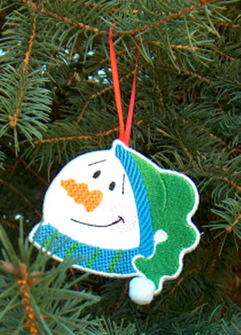 In-The-Hoop Snow Face Ornaments  [4x4]  ATWS10131