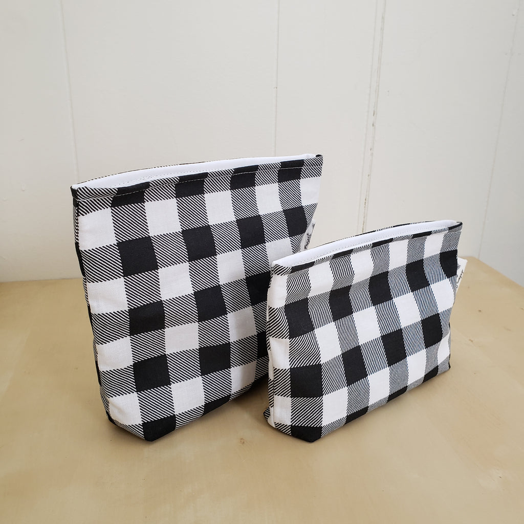 Reusable snack bag set in plaid