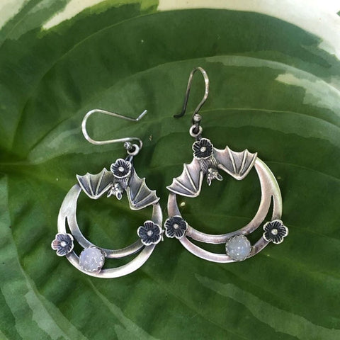 Daisy Bat Hoop Earrings TH7
