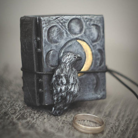 Gothic Raven Ring Box TH7