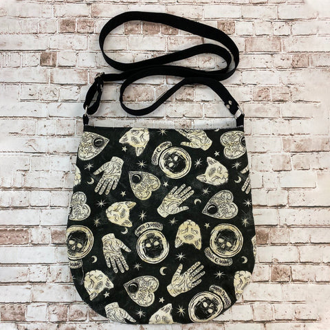 Witchy Crossbody Tote TH19