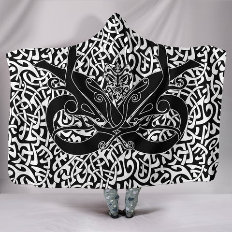 Image of 1stIceland Celtic Hooded Blanket, Celtics Dragon Tattoo Th00 - White - 1st Iceland