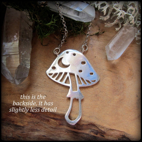 Mushroom Necklace TH19