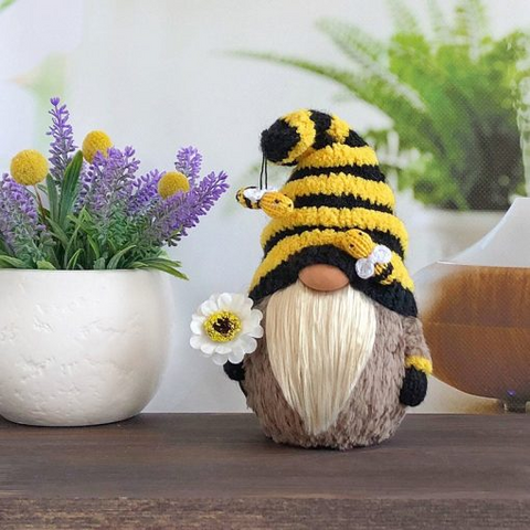 Image of Bumble Bee Gnome Decor K7 - 1st Iceland