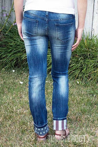 ADORABLE american flag distressed denim jeans! Marisa is 5'6 and wearing a size 9.