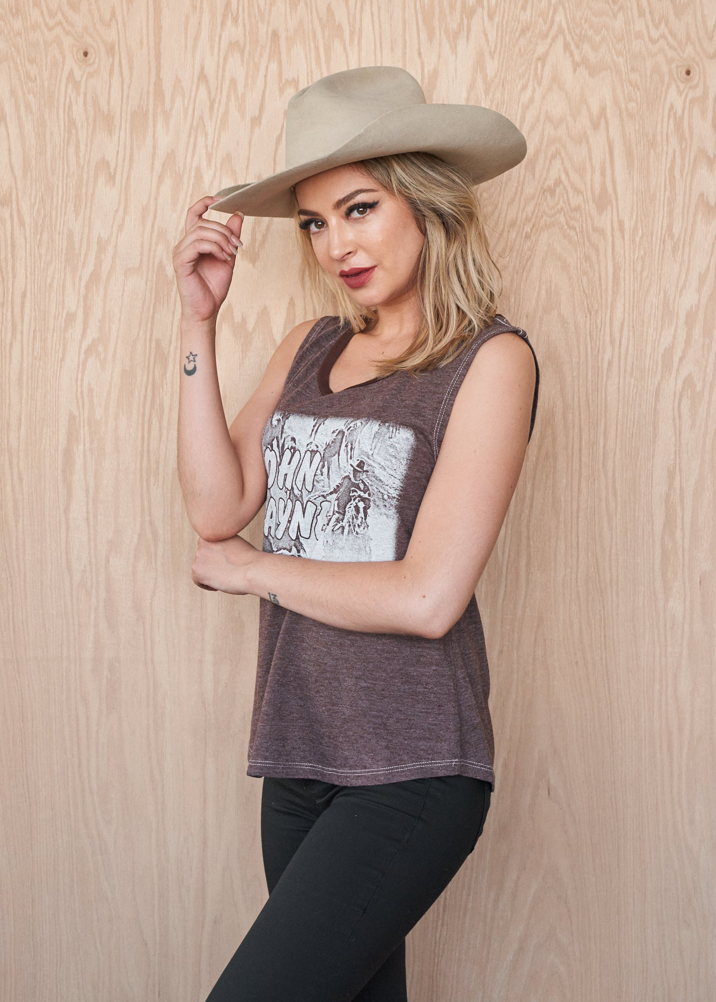 John Wayne One-Color Photo Women's Muscle Tee - Women's Muscle Tee - Midnight Rider