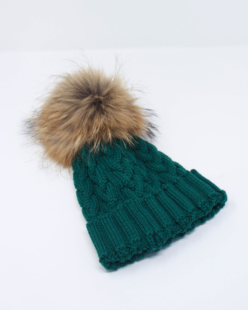 "<b>Lindo F</b><br><font size = ""+1"">Cable Knit Hat - Emerald</font>"