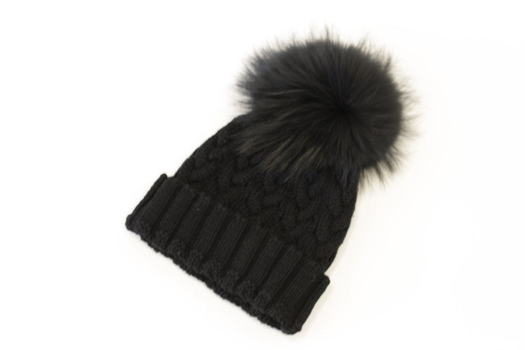 "<b>Lindo F</b><br><font size = ""+1"">Cable Knit Hat - Black</font>"