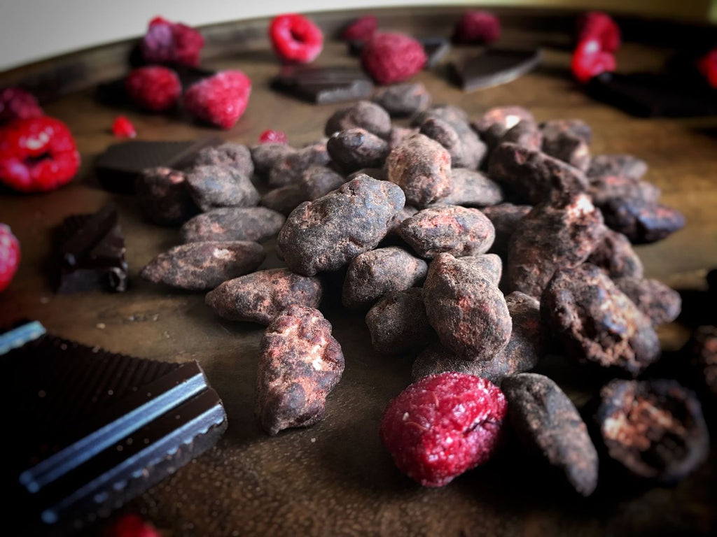 Cacao and Raspberry Almonds 140g X 4