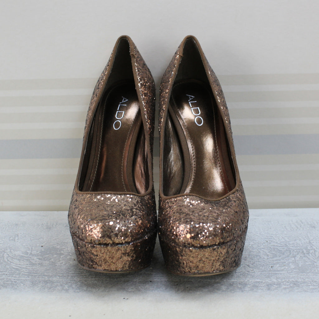 Brown capecoral glitter pumps
