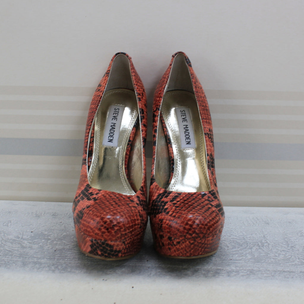 Black light Red Multi snake skin coral Bevv pumps