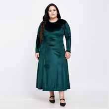 Load image into Gallery viewer, Bottle Green Velvet Long Dress