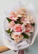 Load image into Gallery viewer, Pastel pinks reflexed rose bouquet