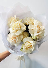Load image into Gallery viewer, Creamy whites reflexed rose bouquet