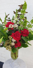 Load image into Gallery viewer, Fresh festive luxe vase design