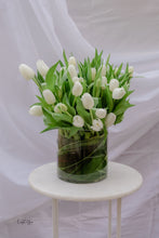Load image into Gallery viewer, The Hilary Grand Tulip Vase
