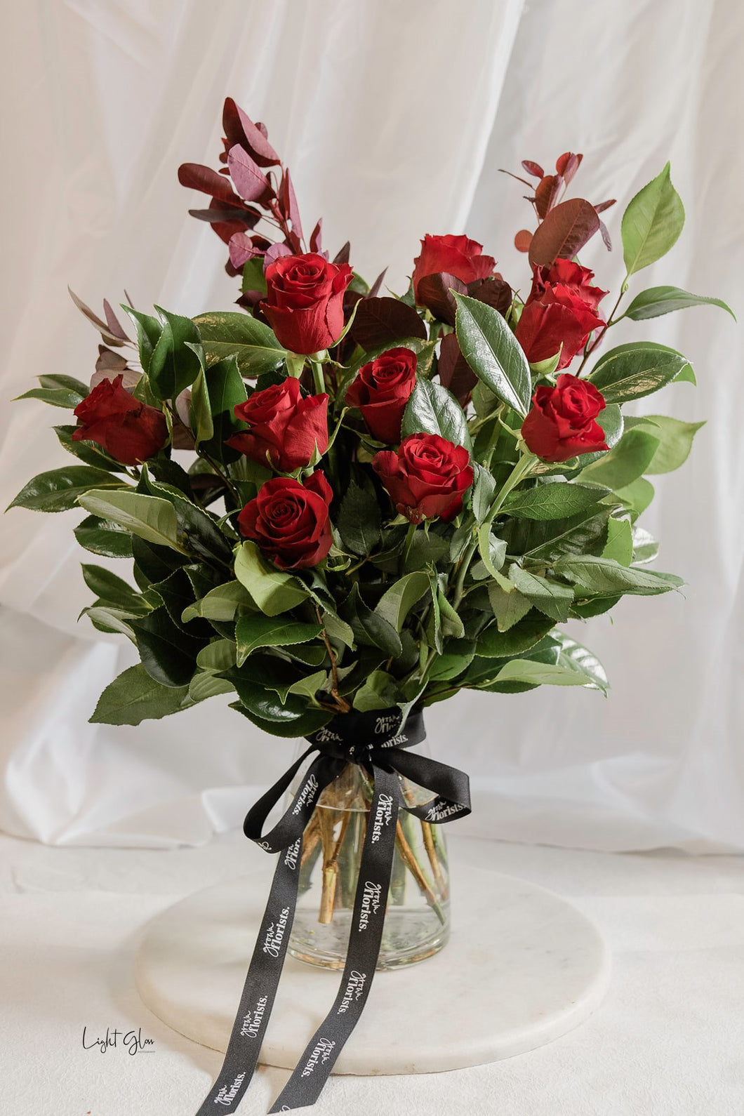 The classic red rose vase