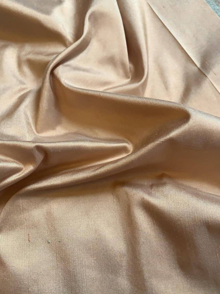 Light Gold Silk Dupion - 100% Silk - Deadstock fabric on AmoThreads