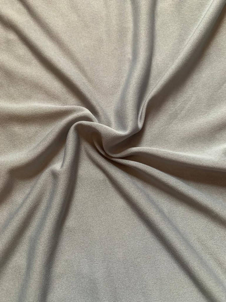 Silver Grey fine knit - Deadstock fabric on AmoThreads