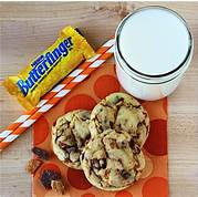Load image into Gallery viewer, Butterfinger Cookie