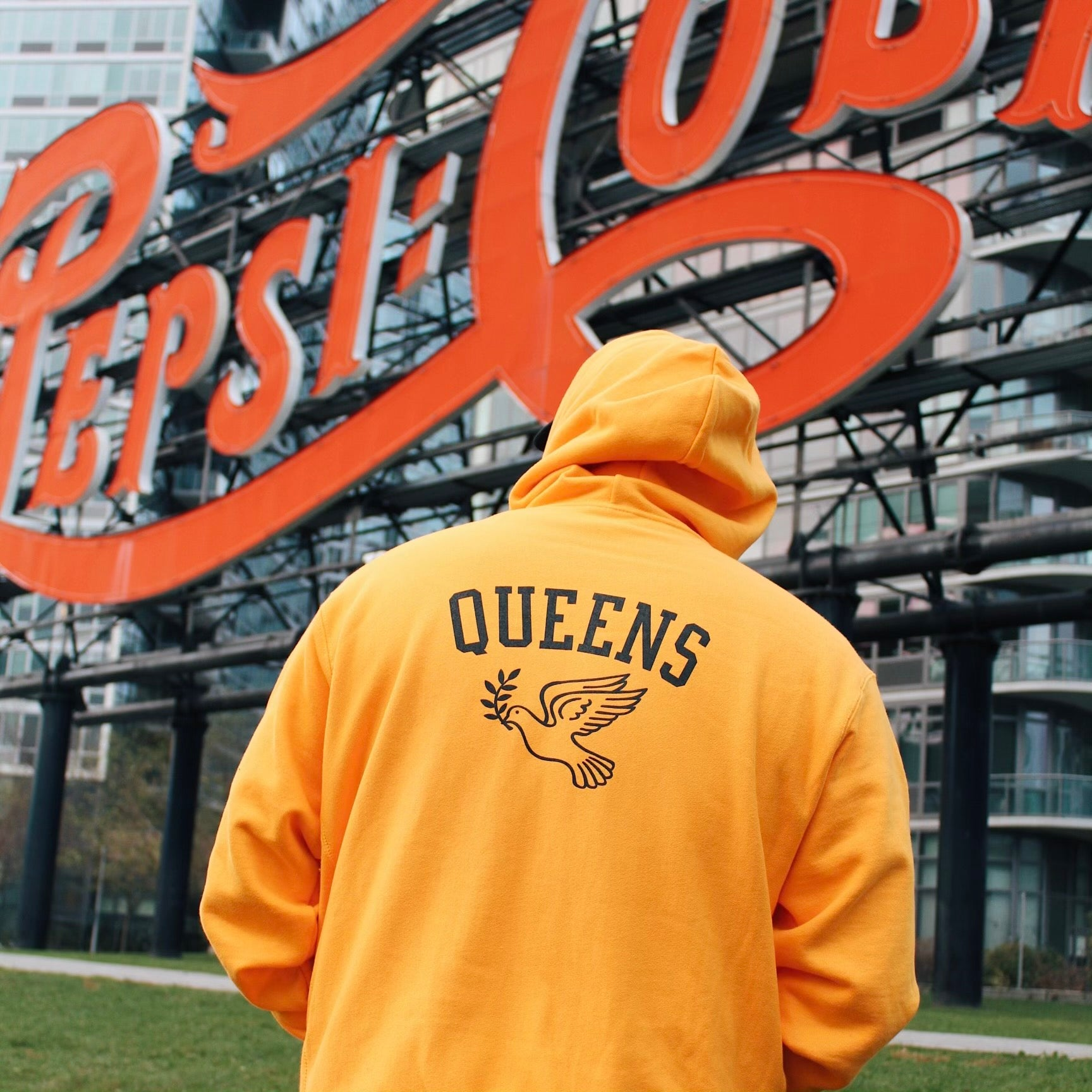 Queens Reverse Weave Champion™ Hoody - Gold