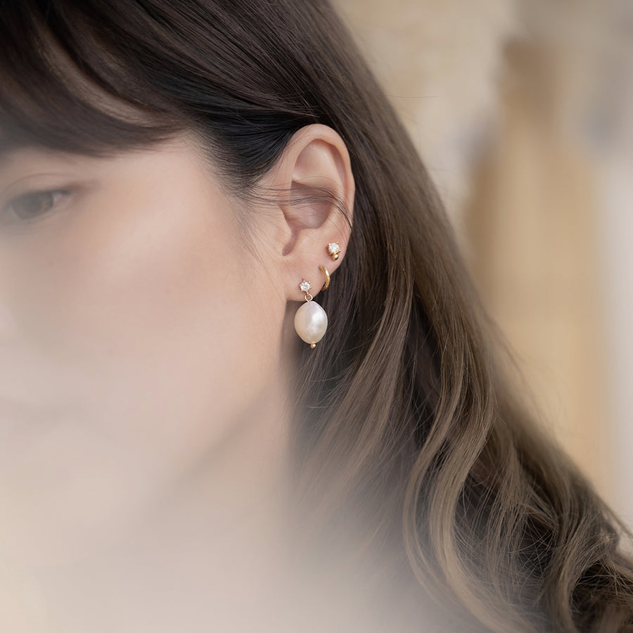 Gold Mia Pearl Earrings