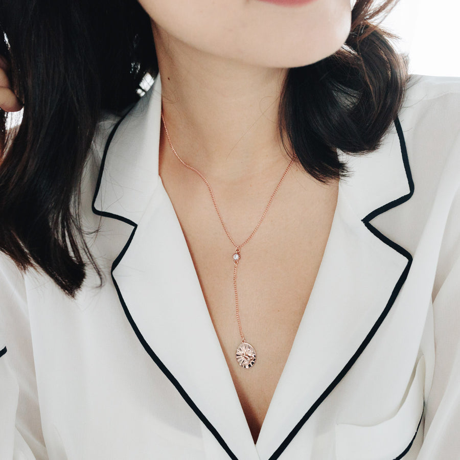 Rose Gold Avium Necklace