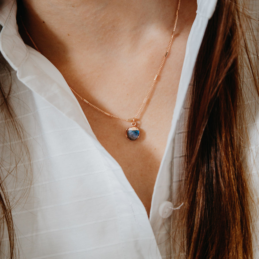 Rose Gold Delphine Labradorite Necklace
