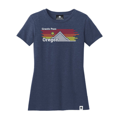 Grants Pass Oregon Horizons | Women's Crewneck T-Shirt