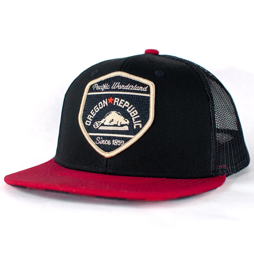 Oregon Republic | Trucker Hat with plaid flannel-lined brim