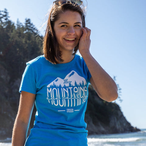 Oregon The Mountains are Calling | Women's Crewneck T-Shirt
