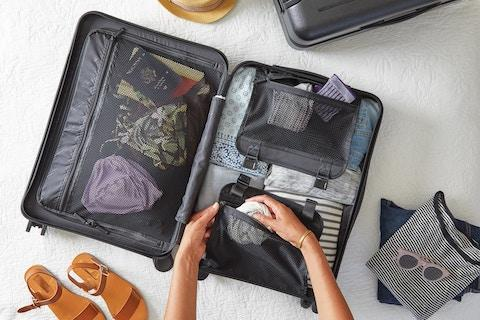 6 Tips For Smart Jewelry-Packing This Holiday Travel Season
