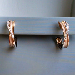 Simon G. Crossover Hoop Earrings in Rose and White Gold with Diamonds