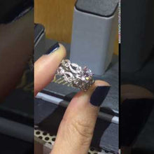 Load and play video in Gallery viewer, Simon G. Vintage Style Scrollwork Filigree Wedding Ring